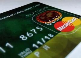 Die kostenlose und gebührenpflichtige Kreditkarte im Vergleich