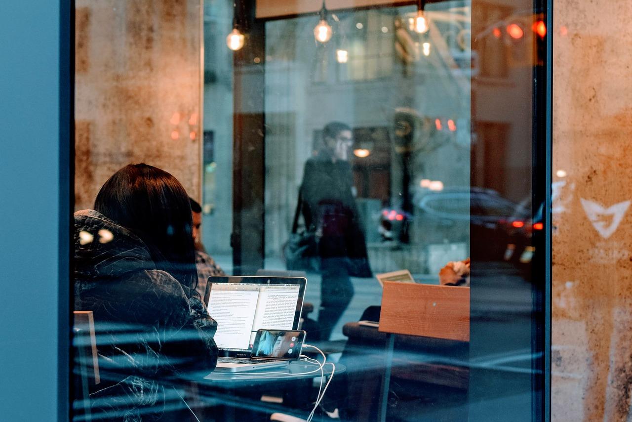 Live-Streaming: Wie Branchen dadurch beeinflusst wurden und sich verändert haben